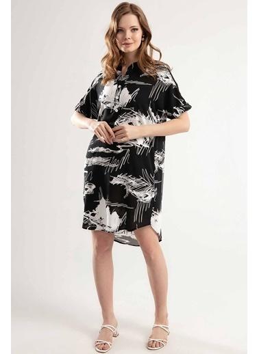 Pattaya Pattaya Kadın Yarım Düğmeli Kısa Kollu Mini Elbise Y20S110-1560 Siyah